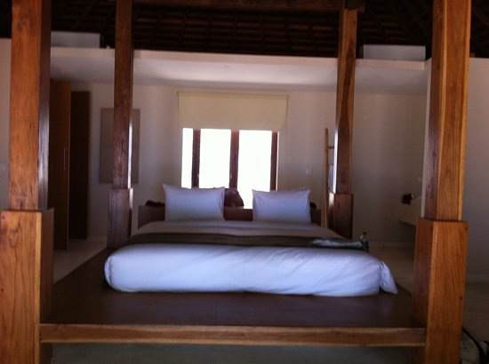 The Menjangan: villa beach bed
