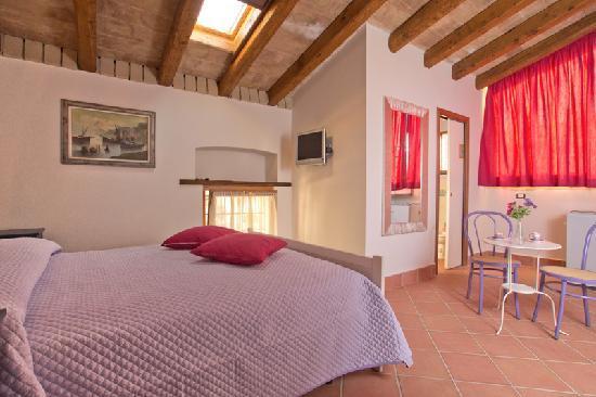 B&B Corte Catalana: camere ampie e luminose ognuna con proprio bagno