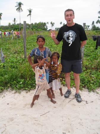 Borneo Divers Mabul Resort: New Best Friends - the village kids
