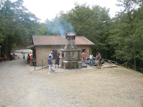 San Venanzo, Italy: caminetto per barbecue