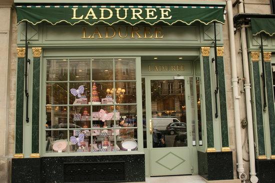 Ladurée : Laduree at rue Royale