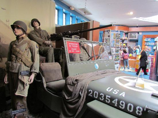 Hotel de la Marine: Soldats et Jeep US