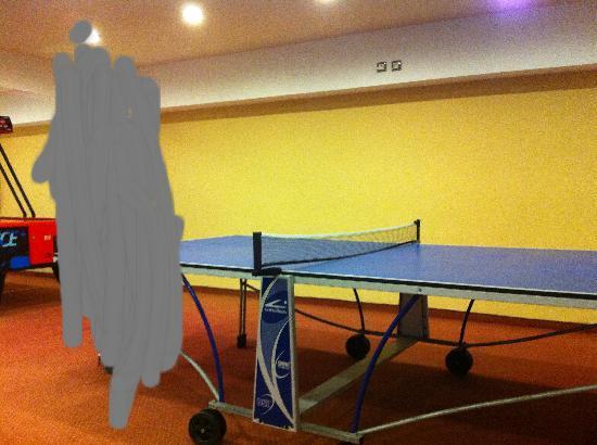 Cleopatra Superior Hotel: ping pong