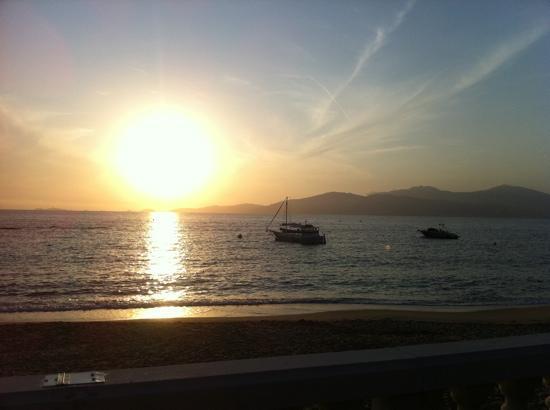Agosta-Plage Hotel: marre des couchers de soleil!!