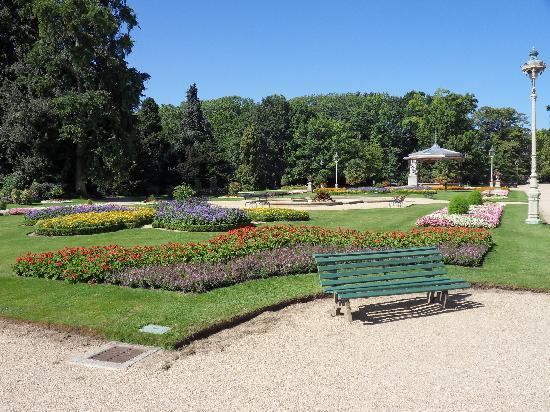 Parc du Thabor : French formal garden