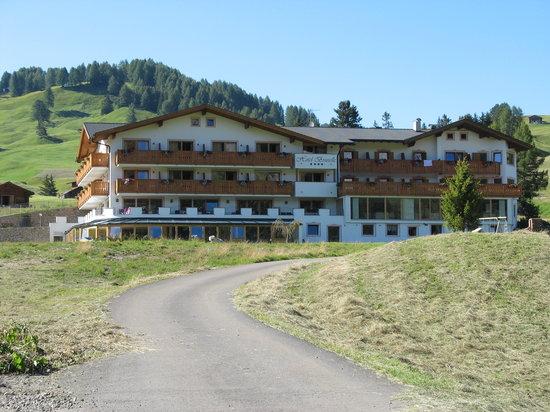Hotel Brunelle: Vista dell'hotel dall'esterno