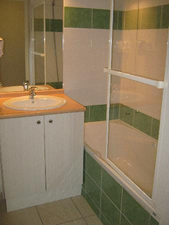 Les Balcons de la Neste: salle de bain