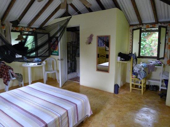 Hotel el Marinique : cabana inside