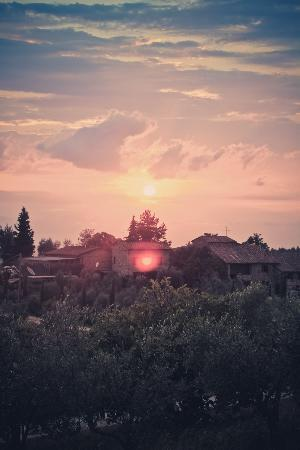 Agriturismo Poggetto: Sunset over the Tuscan countryside.