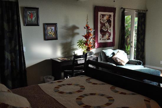 Lilikoi Inn: Downstais bedroom