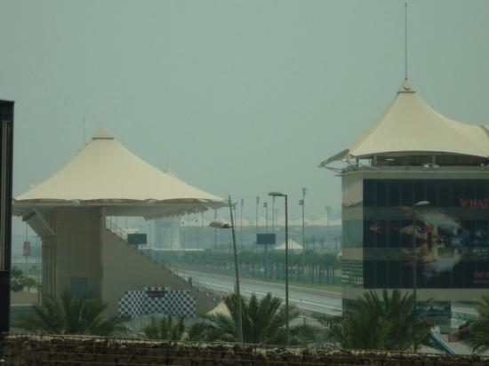 Ferrari World Abu Dhabi: Yas Marina Formula 1 Circuit - taken from the park with 7x zoom