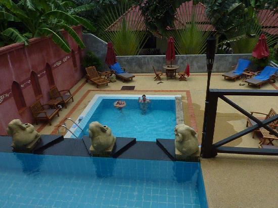 Chor Chang Villa Resort: piscine et matériels impécables