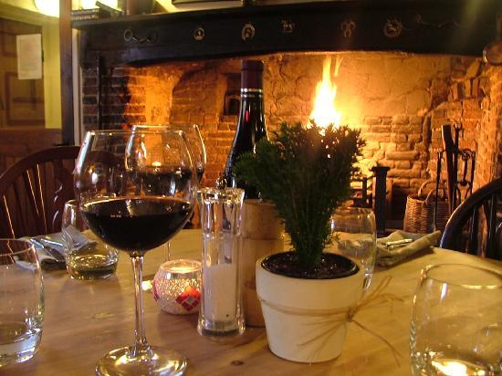 The Foresters Arms: Fireplace