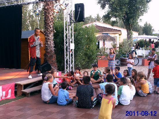 Siblu Villages - Le Montourey: pirate show time