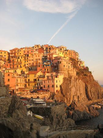 Luxury Apartments Manarola: The Apartment looking from the cove
