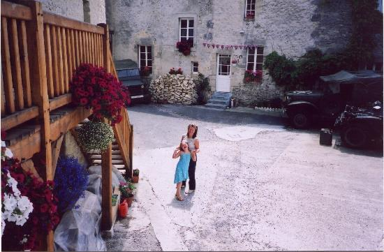 Normandy Beach B & B: Secure courtyard parking  150m from the beach