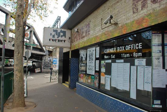 Swan Street: Great live bands at the Corner