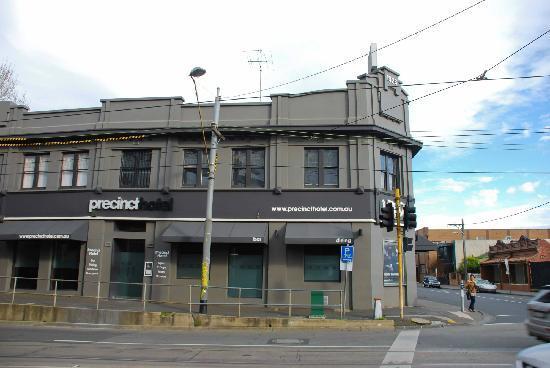 Swan Street: Precinct Hotel