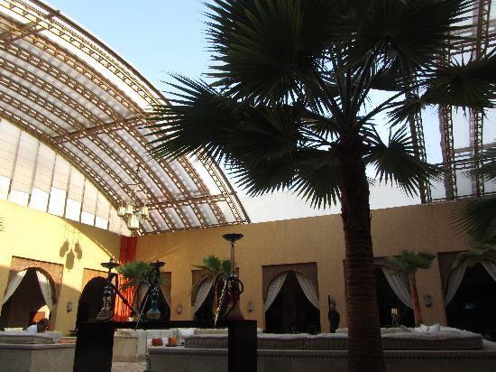 Sofitel Agadir Royal Bay Resort: Reception/bar area. Impressive at night