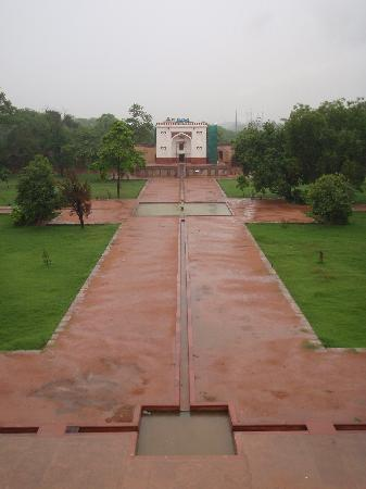 "Humayun's Tomb: The ""Hammam"" in the north"