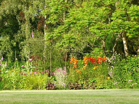 Grange Farmhouse Bed and Breakfast: Summer