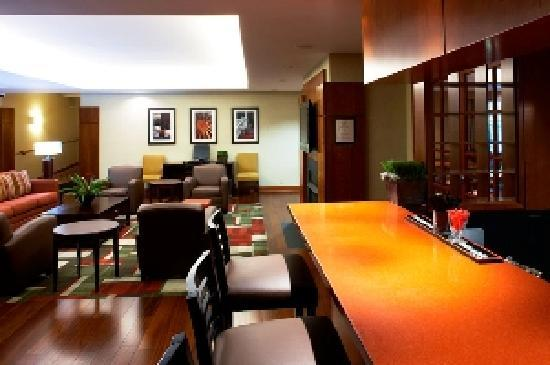 Four Points by Sheraton Charlotte: Hotel Bar