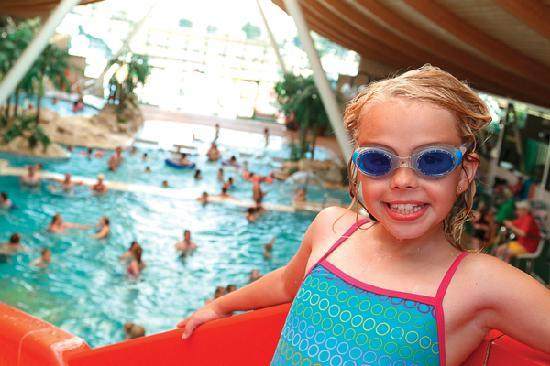 Vauxhall Holiday Park: Indoor Water World