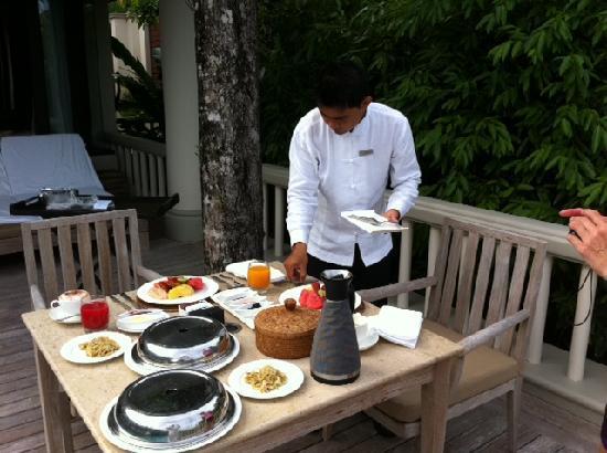 Trisara Phuket: breakfast service