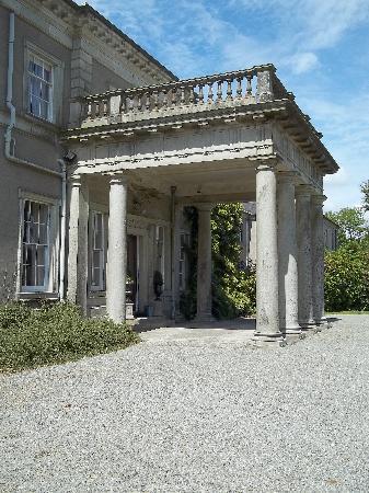 Ballinkeele House : Front entrance
