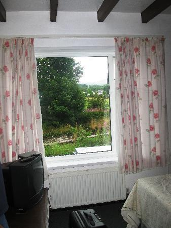 Abbeyfield Hotel: great picture window
