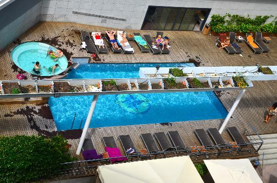 Hotel SB Icaria Barcelona: Piscine