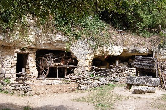 La Vallée Troglodytique des Goupillières : A troglodyte farm dwelling