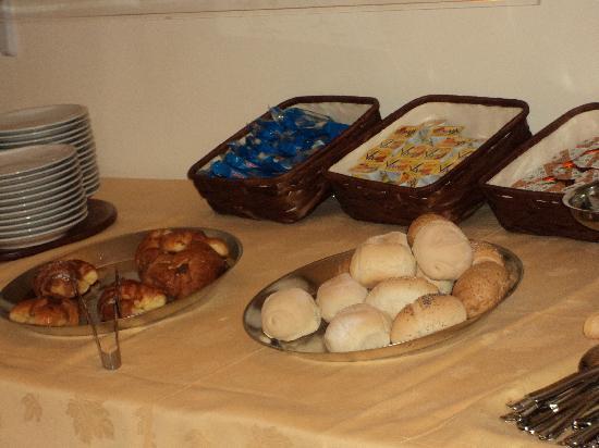 Hotel Spagna: Un buffet réduit ?