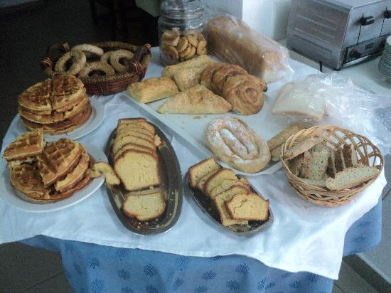 Savoy Hotel: variety of bakery products at the breakfast