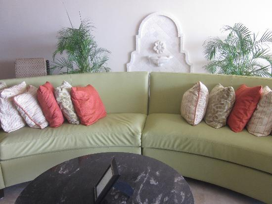 أوشن تو ريزورت آند رزيدنسز: The Lounge/Loby area @ O2 Resort