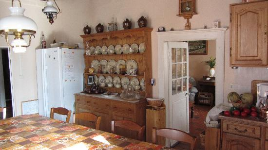 Berrychone Chambres d'Hotes : The kitchen