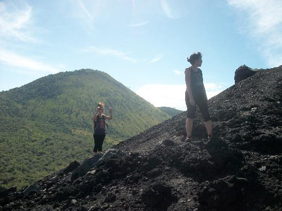Julio Tours Nicaragua - Day Tours: enjoy picture of Cerro Negro volcano for Sandbording