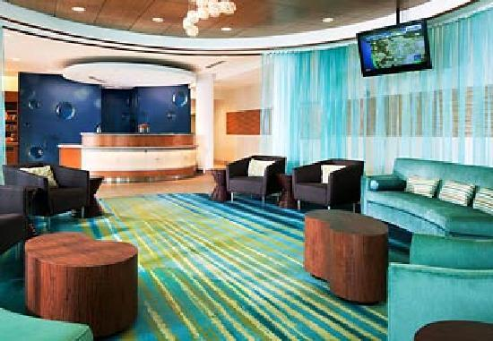SpringHill Suites Ashburn Dulles North: Lobby with style
