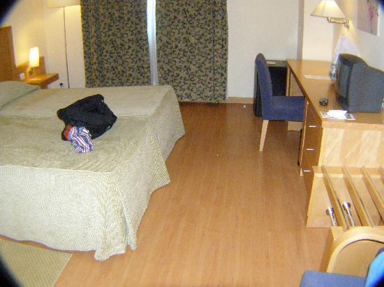 Santa Maria Hotel -- Fatima: my room
