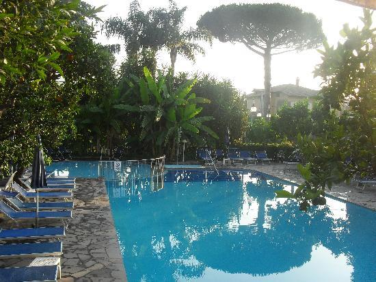 Sant'Agnello, İtalya: the pool