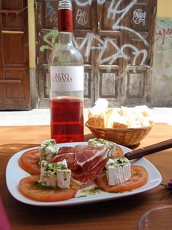Tours in Valencia Play &Xperience: Tapas of the beaten track
