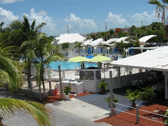 Ibis Bay Beach Resort: Belle vue sur la piscine
