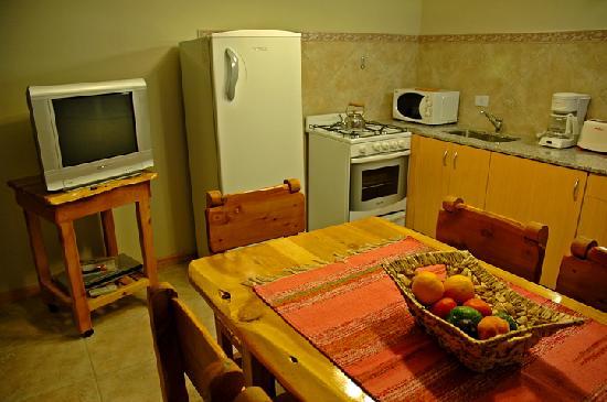 Lagos del Sur Apart & Suites: cocina suite Mascardi