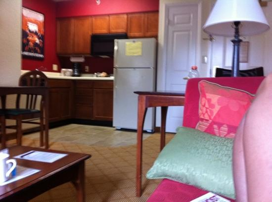 Residence Inn Fort Lauderdale Weston: decorative and extremely clean!