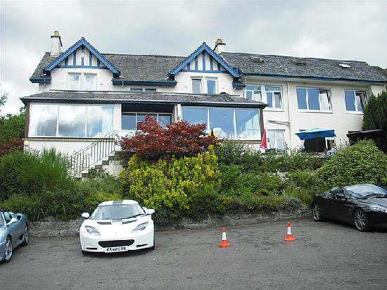 The Lochearnhead Hotel: The hotel
