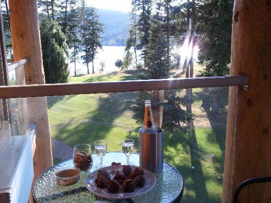 Quaaout Lodge & Spa at Talking Rock Golf Resort: The view from our balcony!  There are no bad views!
