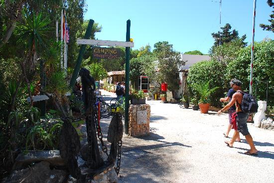 Villaggio Egad: ingresso