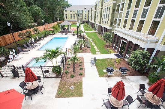 Homewood Suites by Hilton Lafayette-Airport, LA: Hotel Courtyard
