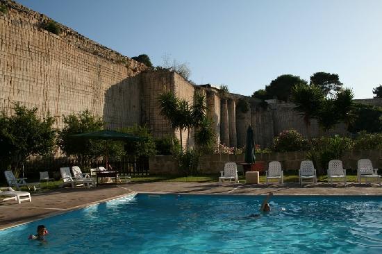Cave Bianche Hotel: la piscina
