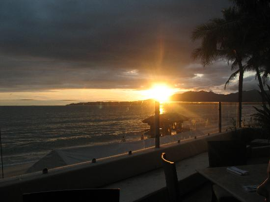 Bel Air Collection Resort & Spa Vallarta: Patio dining at sunset
